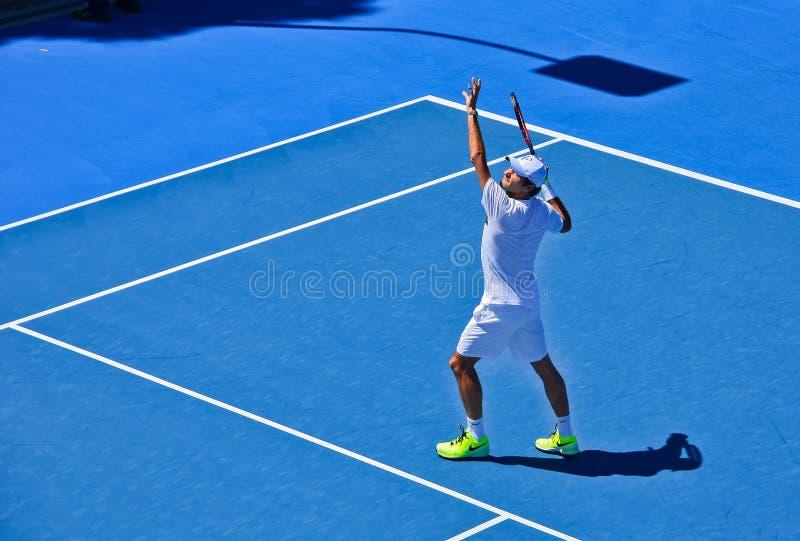 Pratique en matière de Roger Federer photo stock
