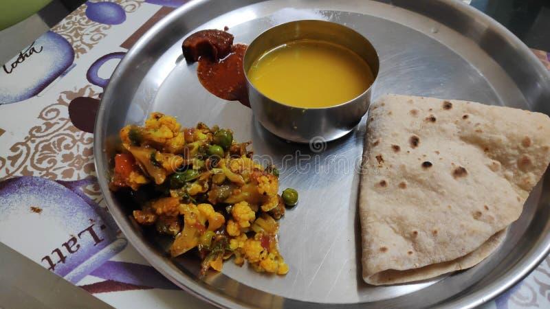 Prato básico de refeição na Índia imagem de stock royalty free