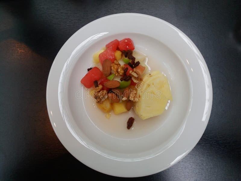 Prato da salada de fruto fotografia de stock