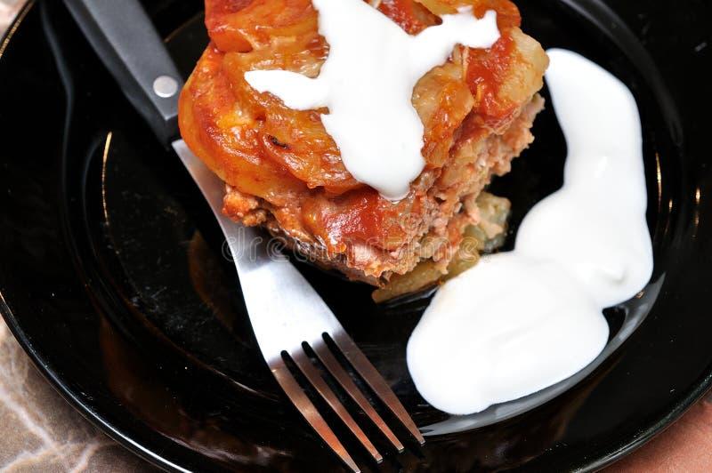 prato das Moussaka-batatas fotografia de stock