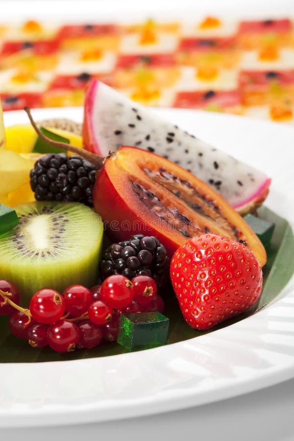 Prato de fruta exótico foto de stock