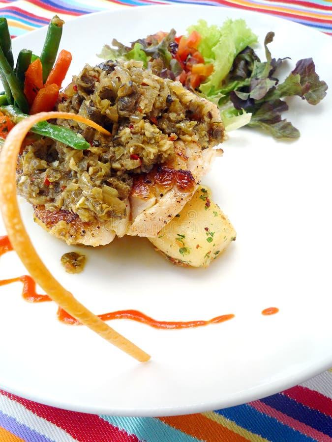Prato de peixes do Balinese fotos de stock