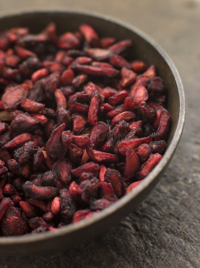 Prato de sementes secadas da romã imagem de stock royalty free