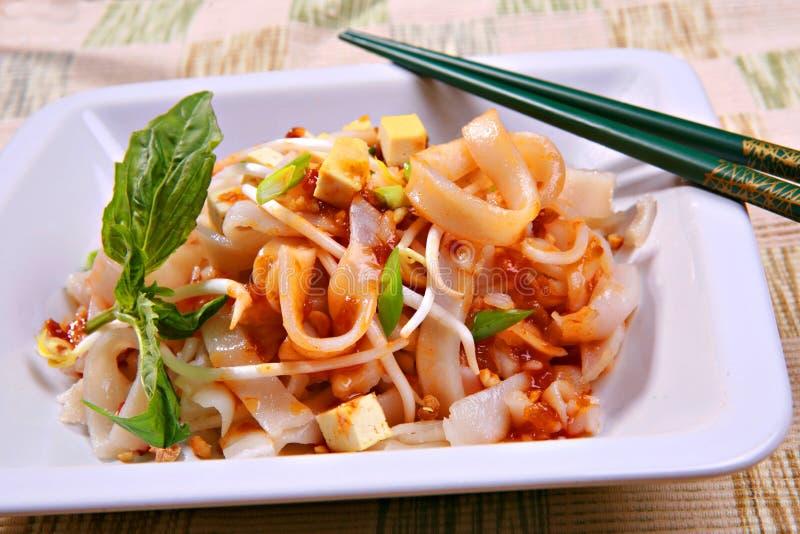Prato de vegetariano tailandês da almofada do Tofu foto de stock royalty free
