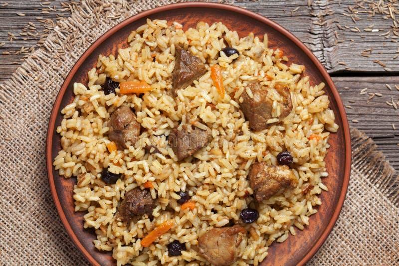 Prato do pilau, refeição picante do uzbek nacional com carne fotos de stock royalty free