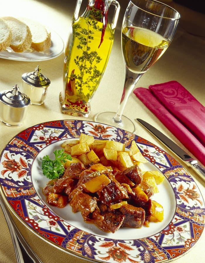 Prato do russo com pão e vinho imagem de stock royalty free
