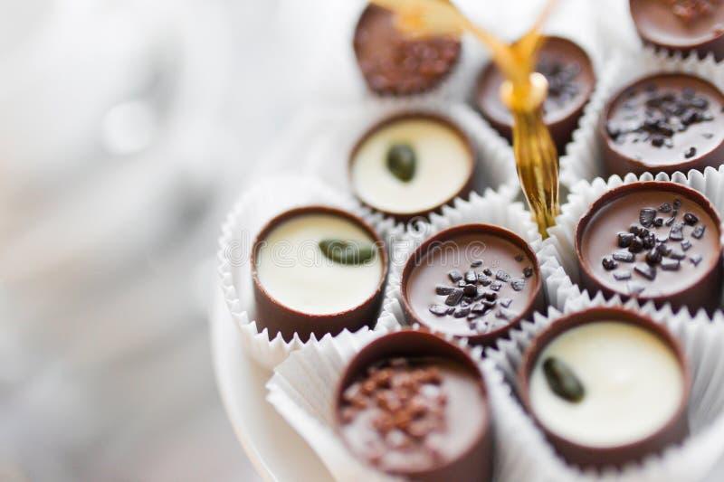 Prato dos chocolates imagem de stock royalty free