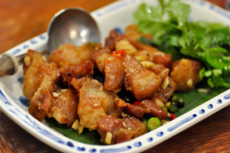 Prato fritado da carne de porco, carne de porco fritada fotos de stock