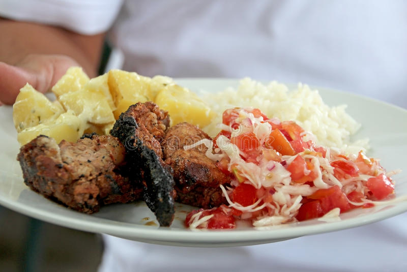 Prato latino-americano típico com galinha, Nicarágua fotos de stock
