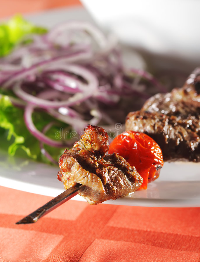 Prato quente da carne - cordeiro grelhado fotografia de stock royalty free