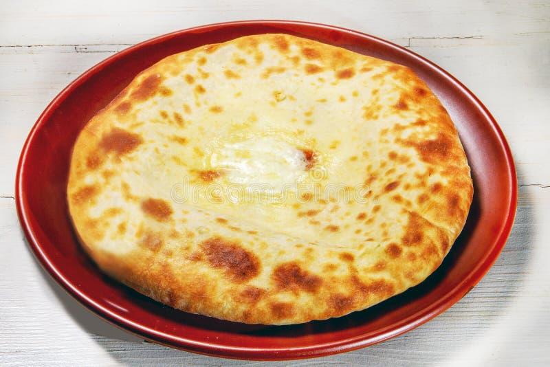 Prato saboroso de Khachapuri foto de stock