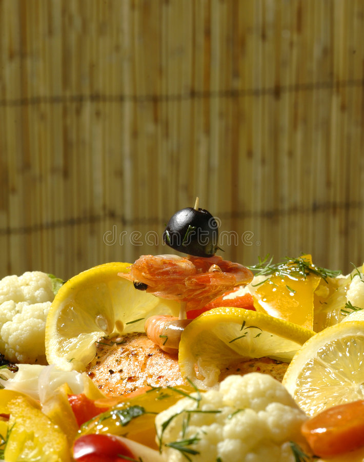 Prato Salmon Metade-Fumado Para Dois Fotografia de Stock