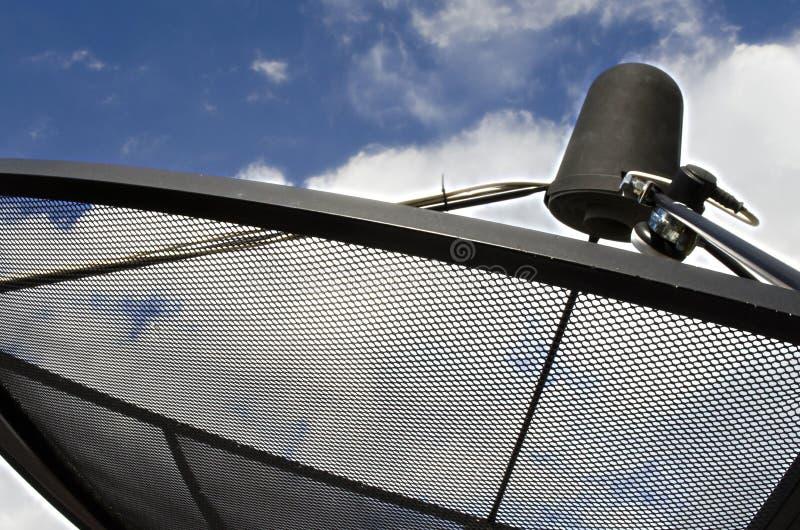 Prato satélite do receptor da onda do sinal para a televisão