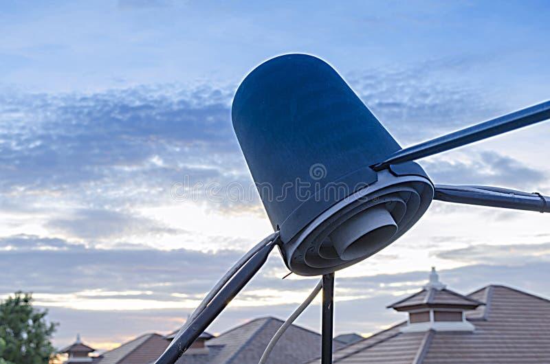 Prato satélite do receptor da onda do sinal para a televisão 109