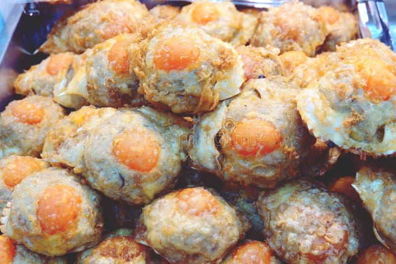 Prato tailand?s feito do caranguejo azul cuja a carne ? cozinhada em seu pr?prio shell imagens de stock royalty free