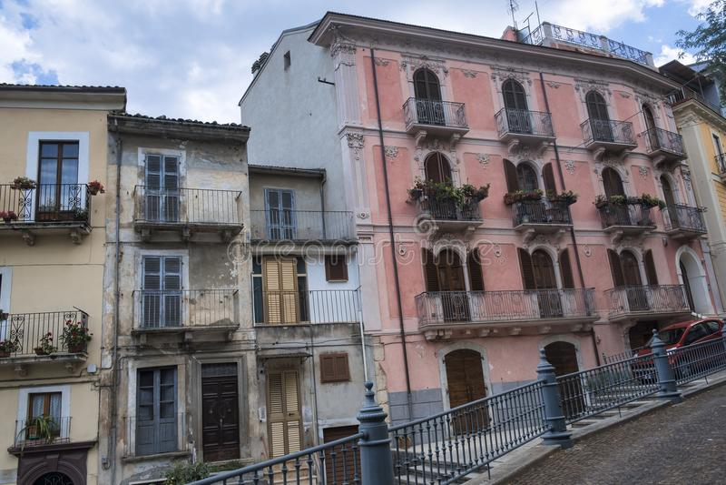 Pratola Peligna Abruzzen, Italien: historischer Palast lizenzfreies stockbild