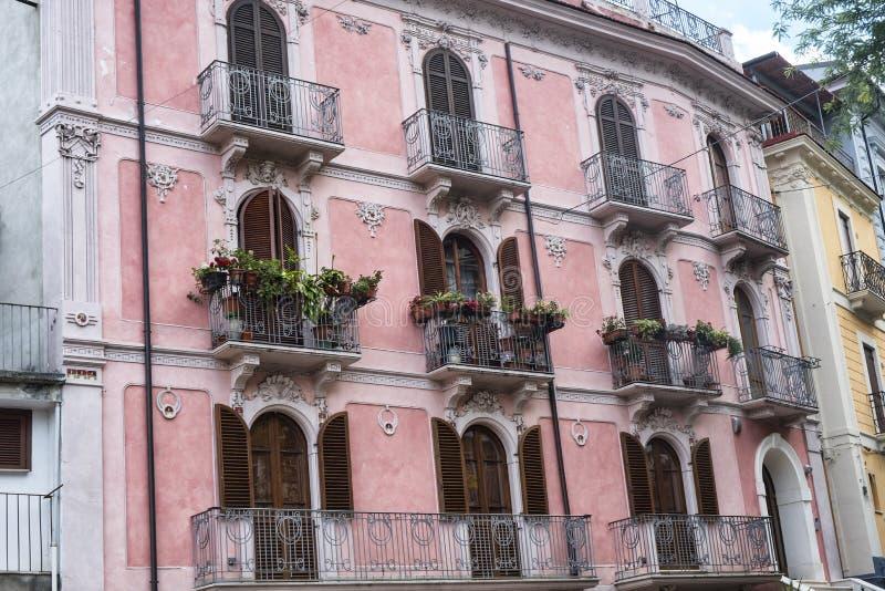 Pratola Peligna Abruzzen, Italien: historischer Palast stockfotografie