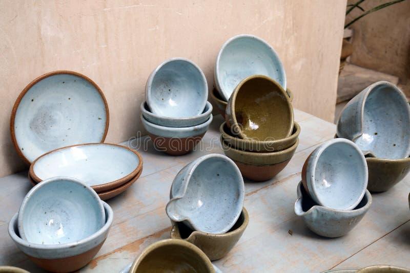 Pratos árabes tradicionais no bazar em Dubai fotografia de stock