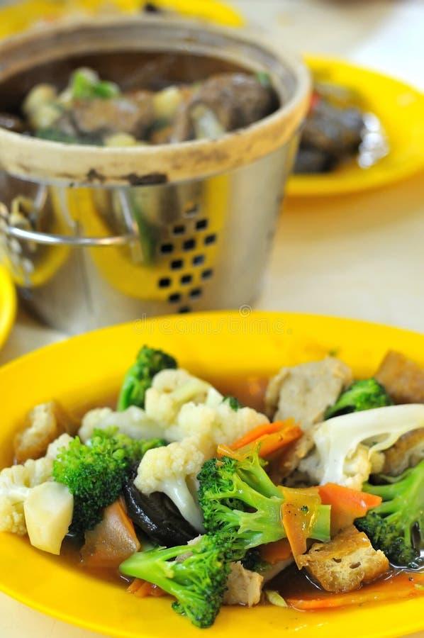 Pratos de vegetariano orientais imagens de stock royalty free