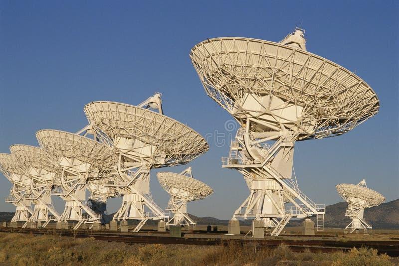Pratos do telescópio de rádio imagem de stock