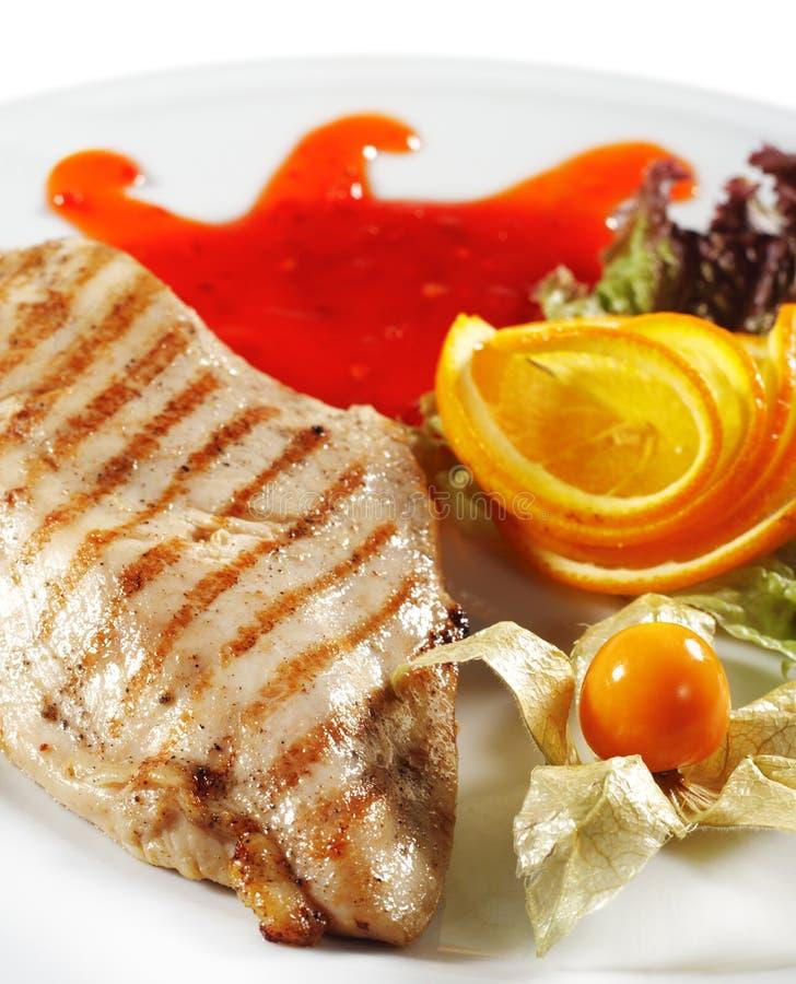 Pratos quentes da carne - bife grelhado da galinha fotografia de stock