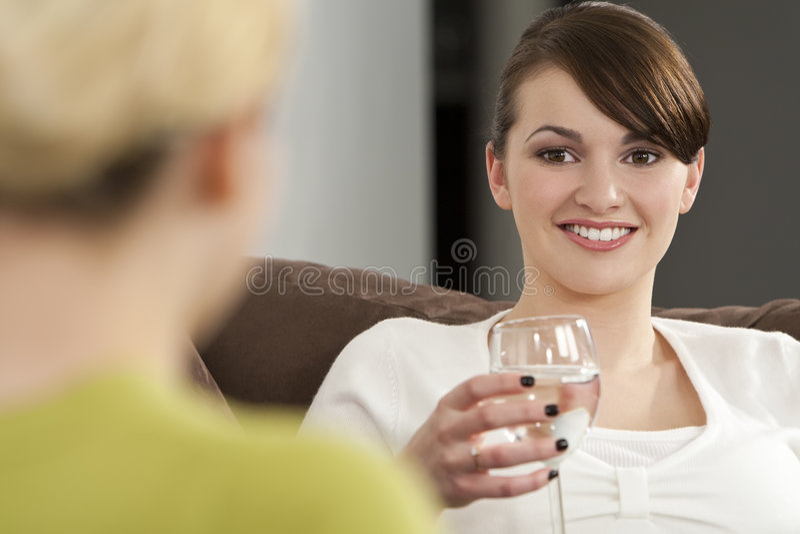 pratstund dricker sunt royaltyfria foton