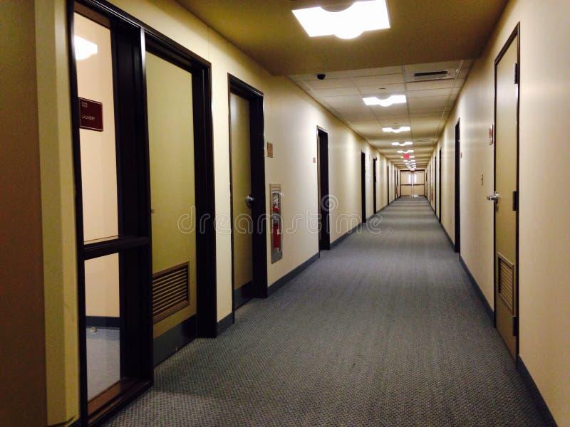 Pratt Hall korridor på Indiana University av Pennsylvania arkivbild