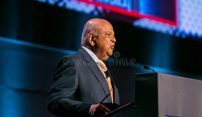Pravin Gordhan före dettafinansministern av Sydafrika att tala royaltyfria bilder