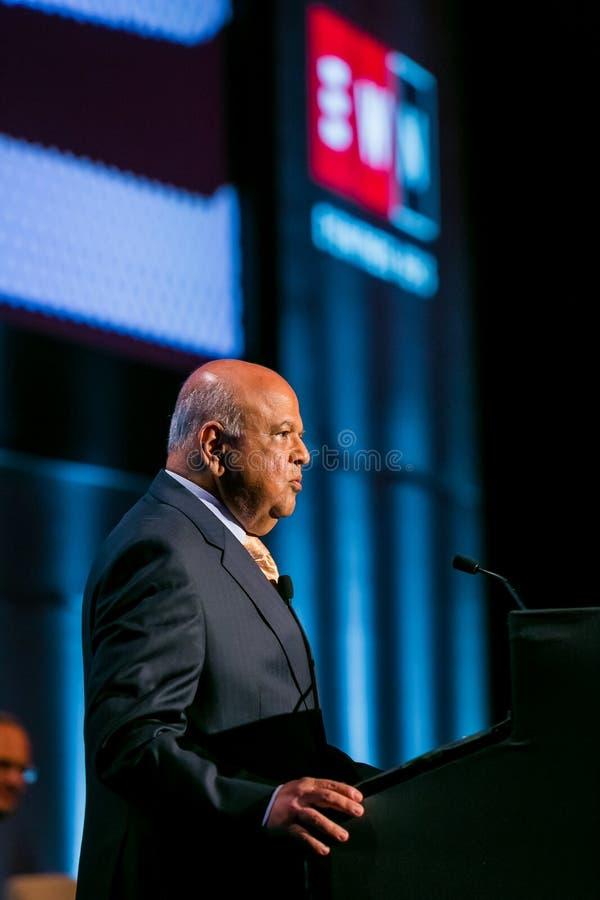 Pravin Gordhan före dettafinansministern av Sydafrika att tala royaltyfria foton