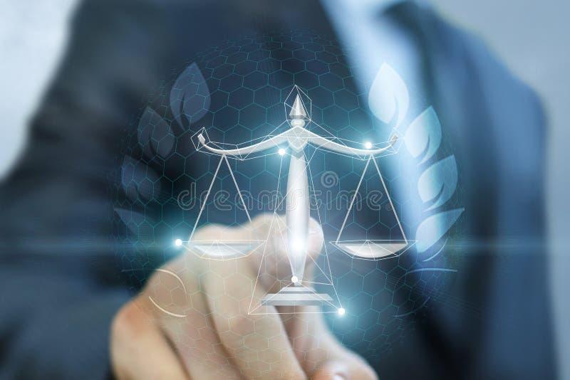 Prawnik klika dalej waży sprawiedliwość obraz stock