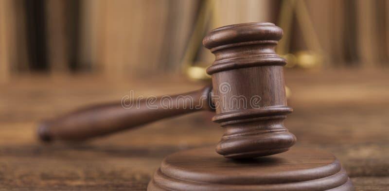 Prawo temat, dobniak sędzia, drewniany młoteczek obrazy stock
