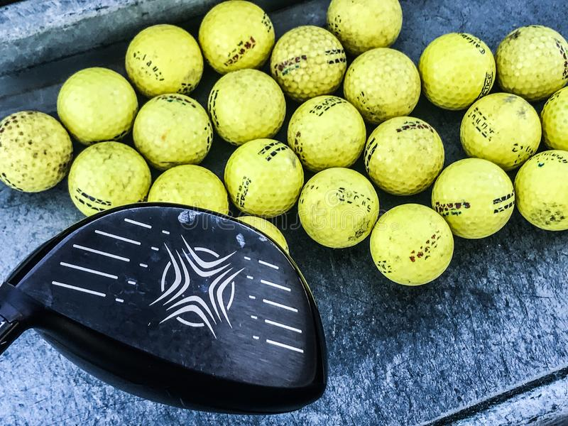 Praxis-Golfbälle lizenzfreie stockfotos