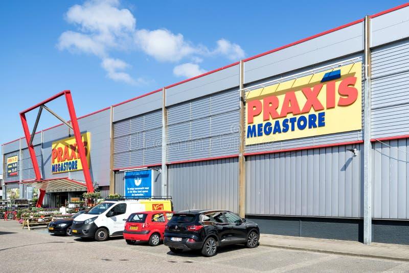 Praxisbaumarkt in Leiderdorp, die Niederlande lizenzfreies stockfoto