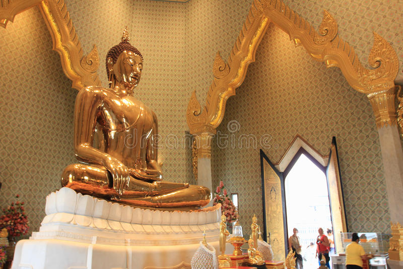 Chineese buddhist temple of Golden Buddha, Wat Traimit, Bangkok, Thailand stock images