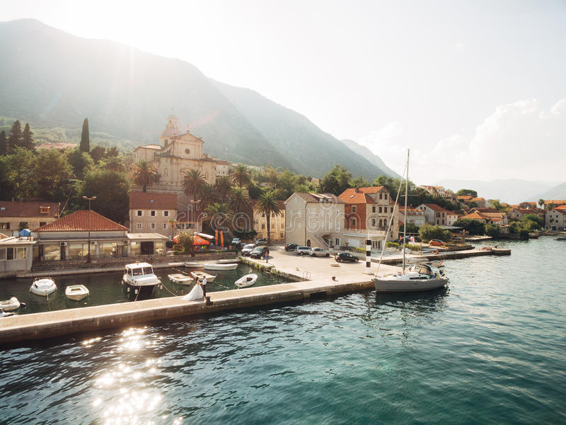 Prcanj, Montenegro de Baai van Kotor Kerk van de Geboorte van Christus van t royalty-vrije stock afbeelding