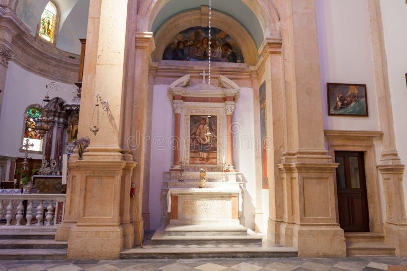 PRCANJ, MONTENEGRO - JULI 23, 2015: Katholiek stock foto's