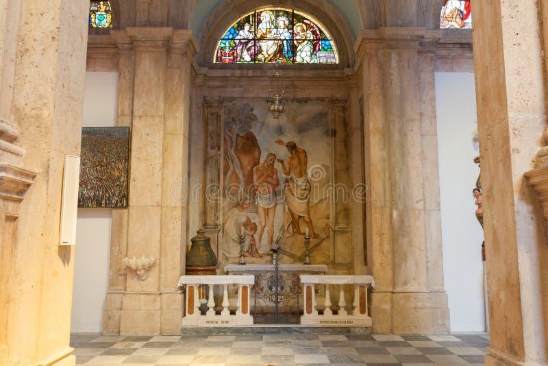 PRCANJ, MONTENEGRO - JULI 23, 2015: Katholiek stock afbeelding
