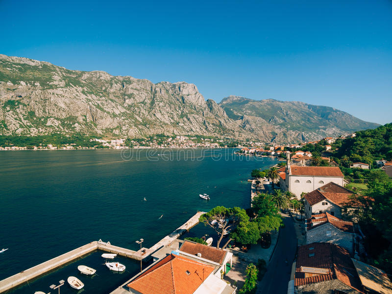 Prcanj, Montenegro, widok od kościół narodzenie jezusa obrazy stock
