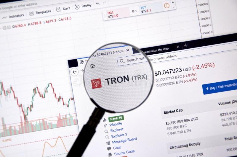 Preço de Tron sob a lupa imagens de stock royalty free