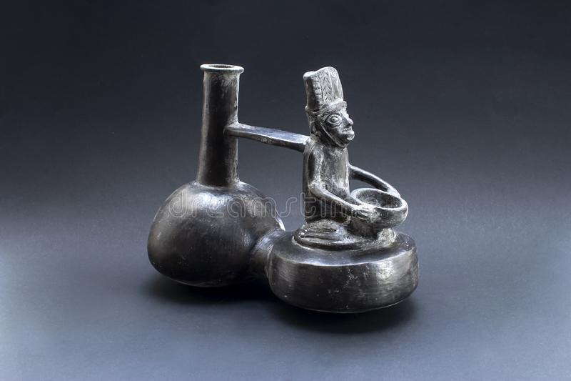 Pre-columbian anthropomorphic keramiska kallade 'Huaco 'från Chimu arkivfoto