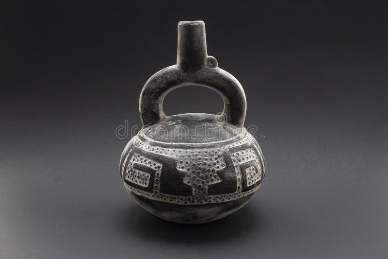 Pre-columbian keramisk kanna eller 'Huaco 'från Chimu arkivbild