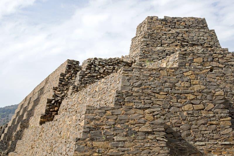 Pre Columbian pyramid i Tzintzuntzan arkivbilder