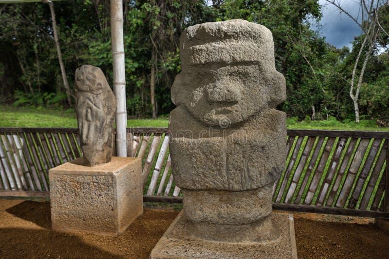 Pre-columbian steenstandbeeld in Colombia royalty-vrije stock foto's