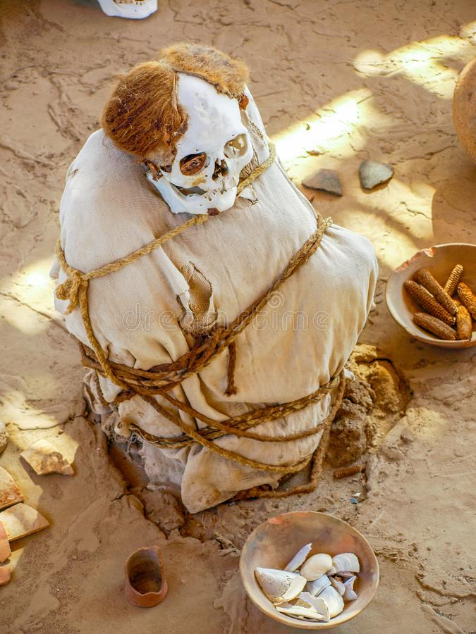 Pre-Incan brij in de archeologische plaats van Chauchilla, Nazca, Peru royalty-vrije stock afbeelding