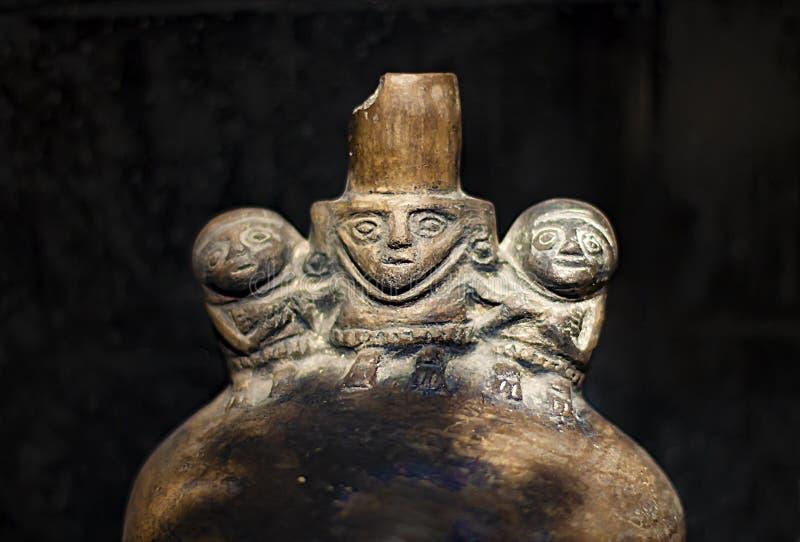 Pre kallade den keramiska incaen 'Huacos från Chancay peruansk kultur royaltyfri fotografi