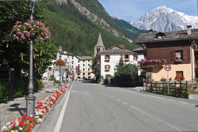 Download Pre-Saint-Didier, Italy Royalty Free Stock Photography - Image: 16320937