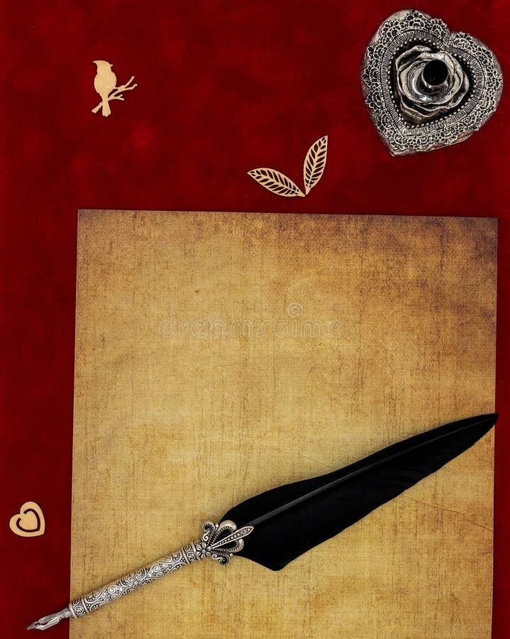Preachment in bianco d'annata, forme di legno, supporto d'argento decorato della spoletta e spoletta ornata - concetto della lett fotografie stock libere da diritti