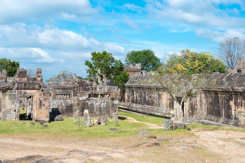 Preah Vihear, Camboja - 3 de dezembro de 2016: Templo de Preah Vihear um fam imagens de stock
