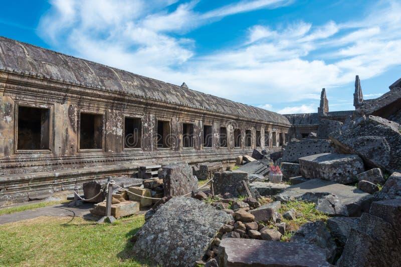 Preah Vihear, Camboja - 3 de dezembro de 2016: Templo de Preah Vihear um fam fotos de stock