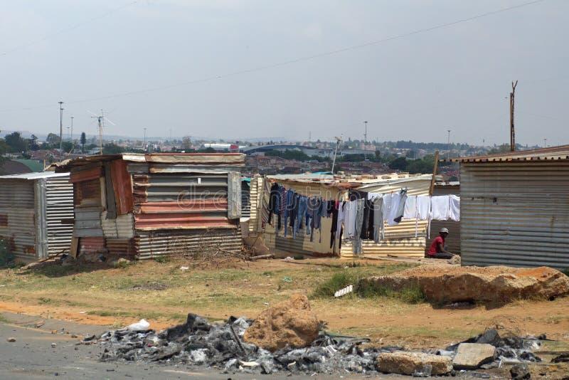 Precário em Soweto fotografia de stock